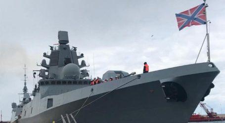 Η ρωσική φρεγάτα «Ναύαρχος Κασατόνοβ» στον Πειραιά