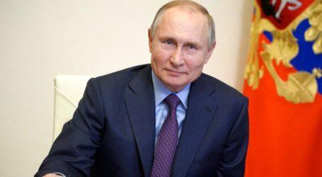 Συγχαρητήριο μήνυμα Πούτιν στην Κατερίνα Σακελλαροπούλου για την εθνική εορτή της 25ης Μαρτίου