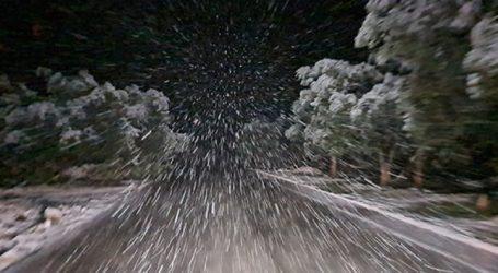 Έντονη χιονόπτωση στη Λέσβο