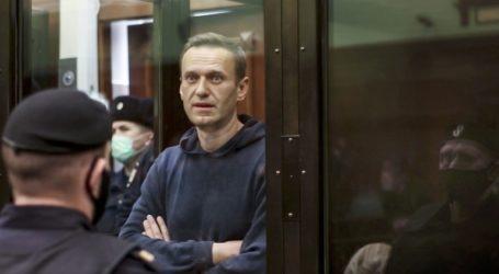 Για «στέρηση ύπνου» καταγγέλλει τις ρωσικές σωφρονιστικές αρχές ο Ναβάλνι