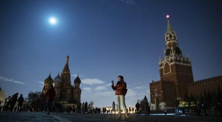 Στο σκοτάδι για μια ώρα κτήρια και μνημεία σε όλο τον κόσμο