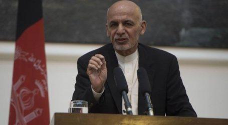 Ο πρόεδρος του Αφγανιστάν άφησε να εννοηθεί πως συμφωνεί στον σχηματισμό μεταβατικής κυβέρνησης