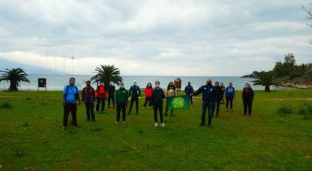 Άσκηση και καθαρισμός ακτών στον Σωρό από τους Δρομείς Υγείας Βόλου [βίντεο]