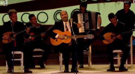 YFSF: Ο Ησαΐας Ματιάμπα ενσάρκωσε τον Στέλιο Καζαντζίδη με επιτυχία!