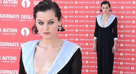 Η Emma Corrin θα κληρώσει το φόρεμα που ξεχώρισε στις Χρυσές Σφαίρες