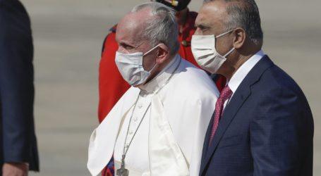 Ιστορική επίσκεψη του πάπα Φραγκίσκου παρά τους κινδύνους και την πανδημία