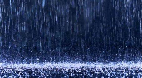 Ώρα 04.00: Καταιγίδα και ισχυρός άνεμος στον Βόλο