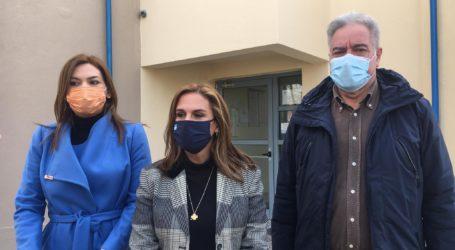 Η υφυπουργός Ζωή Ράπτη σε 5η ΥΠΕ και ΠΓΝΛ στη Λάρισα: Ασφαλή όλα τα κτίρια στις δομές υγείας – Παιδίατροι το Σαββατοκύριακο στις σεισμόπληκτες περιοχές (φωτο – βίντεο)