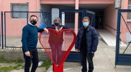 """Τις """"καρδιές συλλογής πωμάτων"""" τοποθέτησε ο Δήμος Κιλελέρ σε κοινότητες της ΔΕ Πλατυκάμπου (φώτο)"""
