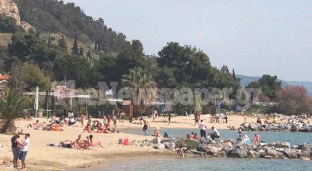 Βόλος: Απρίλιος όπως… Ιούνιος – Στις παραλίες για μπάνιο οι Βολιώτες [εικόνες]