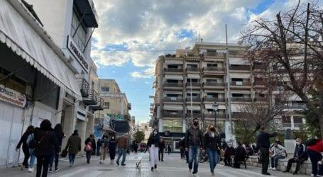 «Ζεστάθηκε» η αγορά στον Βόλο – Τι περιμένουν οι έμποροι