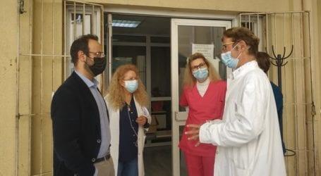 Παράδοση χρήσιμου υγειονομικού υλικού από τον Κων. Μαραβέγια στο Κέντρο Υγείας Βόλου