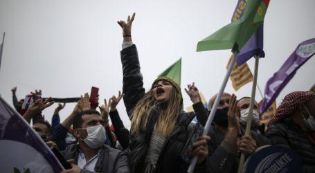 Επεστράφη το κατηγορητήριο για το κλείσιμο του φιλοκουρδικού HDP