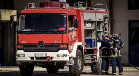 Φωτιά σε σταθμευμένο φορτηγάκι στις Συκιές Θεσσαλονίκης