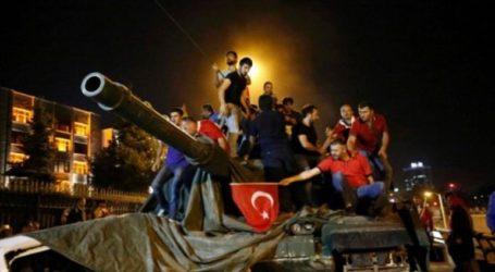 Ισόβια σε 22 αξιωματικούς που συμμετείχαν στην απόπειρα πραξικοπήματος