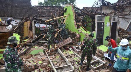 Ο πρόεδρος της Ινδονησίας διέταξε τη διεξαγωγή επιχείρησης διάσωσης στην Ιάβα μετά τον πρόσφατο σεισμό