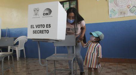 Προεδρικές εκλογές στον Ισημερινό: Έκλεισαν τα εκλογικά τμήματα