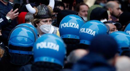 Επεισόδια σε κινητοποίηση με αίτημα το άνοιγμα των εμπορικών επιχειρήσεων στη Ρώμη