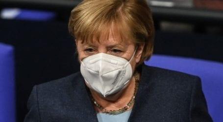 Με AstraZeneca θα εμβολιαστεί την Παρασκευή η Μέρκελ, σύμφωνα με δημοσίευμα