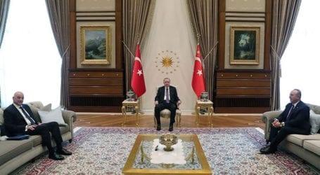 Ολοκληρώθηκε η συνάντηση Δένδια-Ερντογάν
