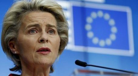 Αισιόδοξη για τον εμβολιασμό του 70% του ενήλικου πληθυσμού της ΕΕ