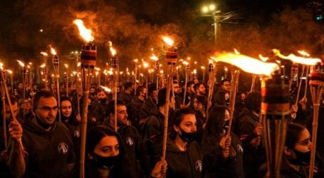 Χιλιάδες διαδηλωτές απέτισαν φόρο τιμής στα θύματα της γενοκτονίας