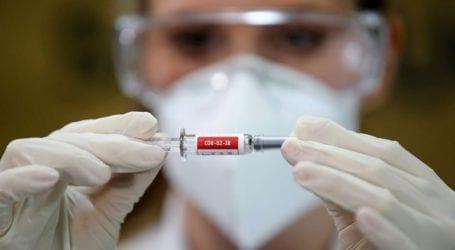 """Η Ουάσινγκτον θα στείλει """"αμέσως"""" ιατρικό εξοπλισμό και συστατικά εμβολίων στην Ινδία"""