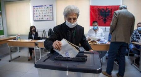Σε εξέλιξη η καταμέτρηση ψήφων στην Αλβανία