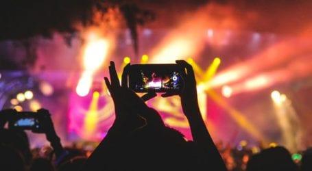 Η Γαλλία ελπίζει σε δοκιμαστικές συναυλίες τον Μάιο μετά το πείραμα της Βαρκελώνης