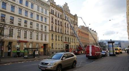 Οχτώ νεκροί και εννέα τραυματίες από πυρκαγιά σε «παράνομο» τουριστικό ξενώνα
