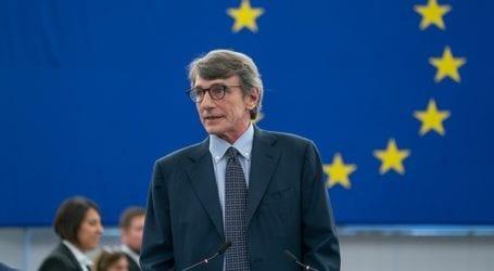 «Καμία κύρωση δεν θα με εμποδίσει να υπερασπιστώ τα ανθρώπινα δικαιώματα»