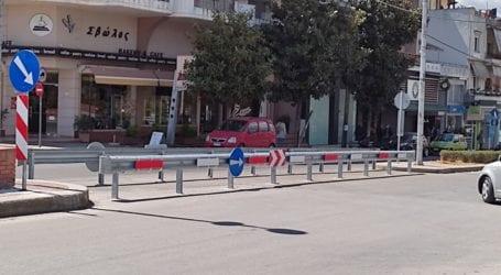 Λάρισα: Τοποθετήθηκε προστατευτική μπάρα στη νησίδα της γέφυρας του Αλκαζάρ – Σημείο πολλών ατυχημάτων στο παρελθόν (φωτο)