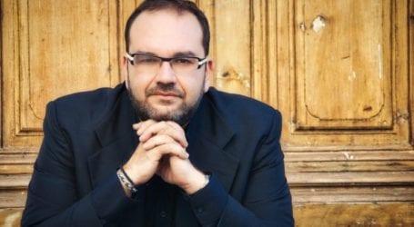O Ανδρέας Κατσιγιάννης για το μουσικό οδοιπορικό «Της σιωπής ο τόπος» που θα προβληθεί στο MEGA