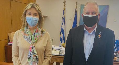 Η Ζέττα Μακρή με τον Γραμματέα της Ελληνικής Εταιρείας Προστασίας Αυτιστικών Ατόμων