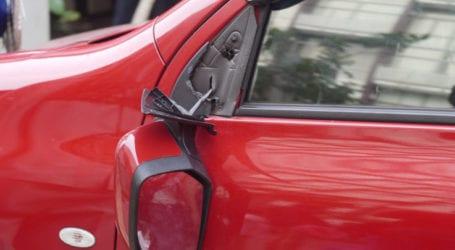 Νέα Σμύρνη: Πάλι έσπασαν τους καθρέφτες οχημάτων στην Πινδάρου