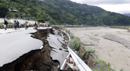 Πάνω από 110 νεκροί, δεκάδες αγνοούμενοι στις πλημμύρες στην Ινδονησία και στο Ανατολικό Τιμόρ
