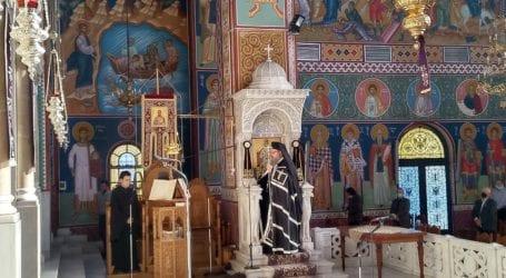 Η Ακολουθία των Αχράντων Παθών και της Σταυρώσεως στον Άγιο Αχίλλιο – Δείτε τις πρώτες εικόνες
