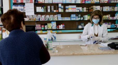 Ακυρώνουν τους εμβολιασμούς με AstraZeneca οι Βολιώτες – Τι λένε στους φαρμακοποιούς
