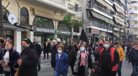 Λάρισα: Αγοραστός στους επαγγελματίες των λαϊκών αγορών: «Είμαι στο πλευρό σας, σας στηρίζω» (φωτο – βίντεο)