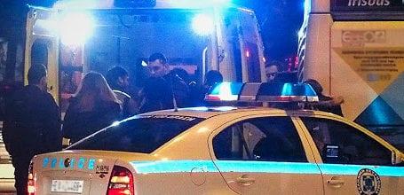 ΤΩΡΑ: Θρίλερ στον Βόλο – Μαχαιρώθηκε 52χρονος και το έσκασε από ΕΚΑΒ και Αστυνομία