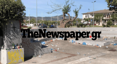 Βόλος: Έκαναν «γυαλιά καρφιά» την πλατεία Ντε Κίρικο μετά το κορωνοπάρτι – Δείτε εικόνες