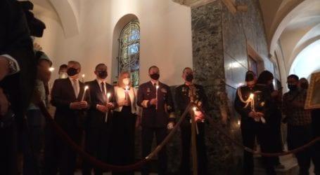 «Χριστός Ανέστη» στις εκκλησίες της Λάρισας – Δείτε βίντεο και φωτογραφίες