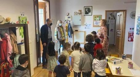 Επιτροφή στα θρανία για όλους – Σε σχολεία του Βόλου η Υφυπουργός Παιδείας [εικόνες]