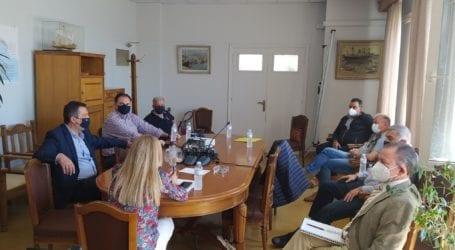 Συνάντηση Μπουκώρου με τη διοίκηση του ΟΛΒ για την αξιοποίηση του λιμανιού του Βόλου
