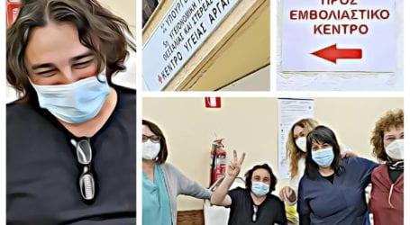 Στο Πήλιο εμβολιάστηκε ο ηθοποιός Βασίλης Χαραλαμπόπουλος – Τι είπε για τις παρενέργειες!
