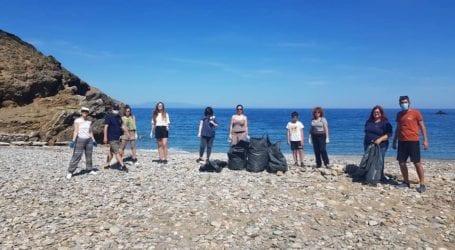 Αλόννησος: Σύλλογοι και φορείς καθάρισαν τις παραλίες