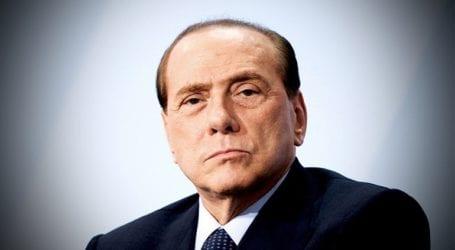 Ο Σίλβιο Μπερλουσκόνι έλαβε εξιτήριο από νοσοκομείο στο Μιλάνο
