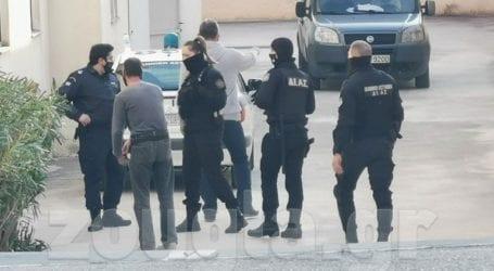 Την Τετάρτη απολογείται ο δράστης που κατηγορείται για τη δολοφονία υπαλλήλου του Κέντρου Υγείας Καλυβίων