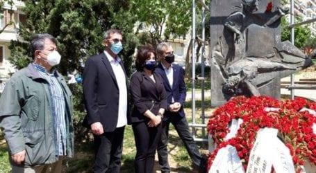 Στεφάνια στο Μνημείο του Εργάτη κατέθεσαν η Β. Πατουλίδου και οι δήμαρχοι Ζέρβας και Δανιηλίδης
