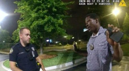 Επαναπρόσληψη αστυνομικού που κατηγορείται για τη δολοφονία Αφροαμερικανού